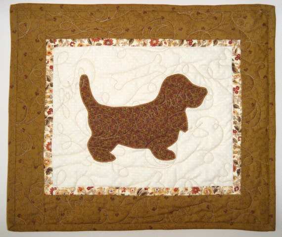 Basset Hound Quilted wall hanging 17 x 15