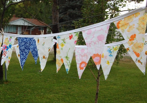 Vintage Brights Pennant Banner - 11'