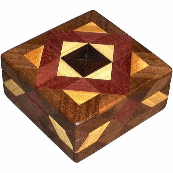 Black Center ASC Square Box