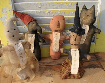Primitive Doll, Halloween, Witch, Ghost, Pumpkin, Cat, Crow Stump Dolls