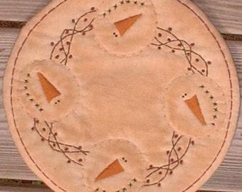 Primitive Stitchery Candle Mat Snowmen Grapevine Berry Wreath