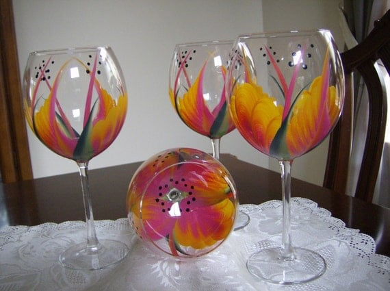 Wine glass/goblet Pink/Yellow Must See