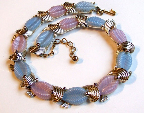 SJK Vintage -- Marboux Signed Pink and Blue Thermoset Paisley Necklace (1945-50)