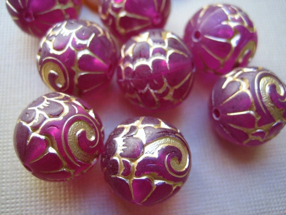 vintage carved lucite beads hot pink and gold matte  German 15mm - lot of 6