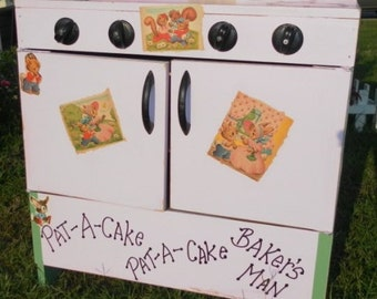 Personalized Upcycled Vintage Children's Wood Toy Play Stove / Oven, Little Girl's Birthday Gift,Vintage Toys,
