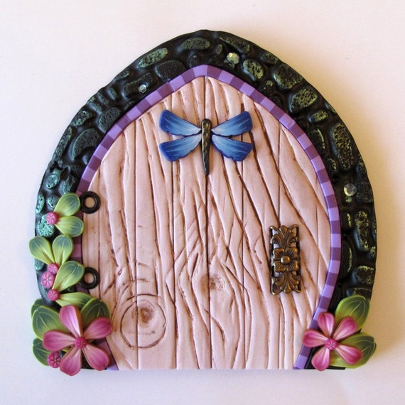 Pink fairy door with dragonfly for Pink fairy door