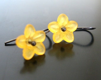 goldenrod blossoms .... lucite and sterling silver earrings
