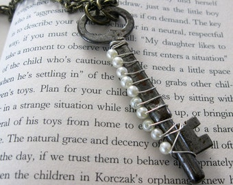 10 pearls and a skeleton key .... handmade necklace
