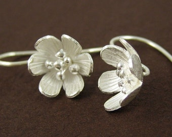 Silver Flower Earrings Nature Jewelry Le Blanc Earrings White Winter Wedding Gift for Women