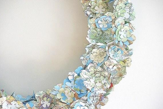 Items similar to Wreath home decor map travel wedding