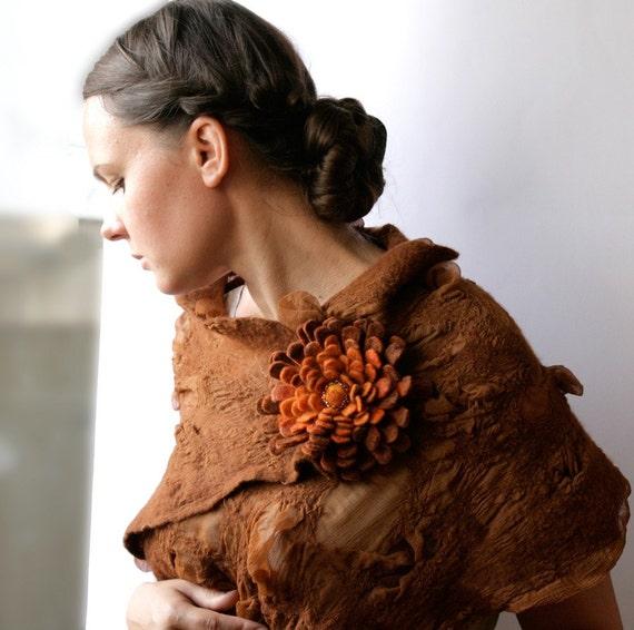 Rusty Dahlia -- Felt Flower Brooch -- Hand felted wool -- size Medium / Large