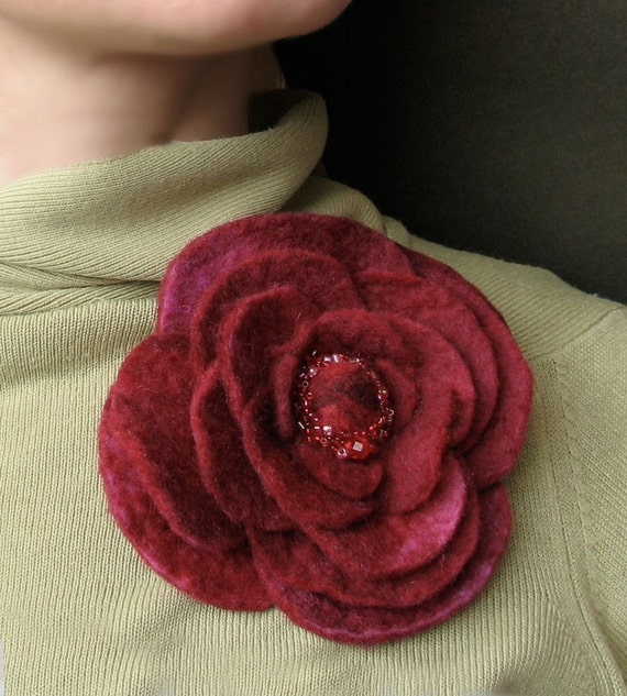 Perfect Red Rose -- Felt Flower Brooch -- Hand felted wool -- Size Large