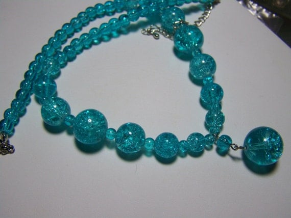 AQUA CRACKLE GLASS Beaded Pendant Necklace and Earring Set