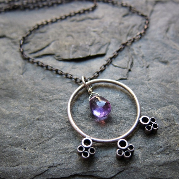 Modern oxidized - purple amethyst - circle necklace - February birthstone - silver bubbles -Trois Cercles