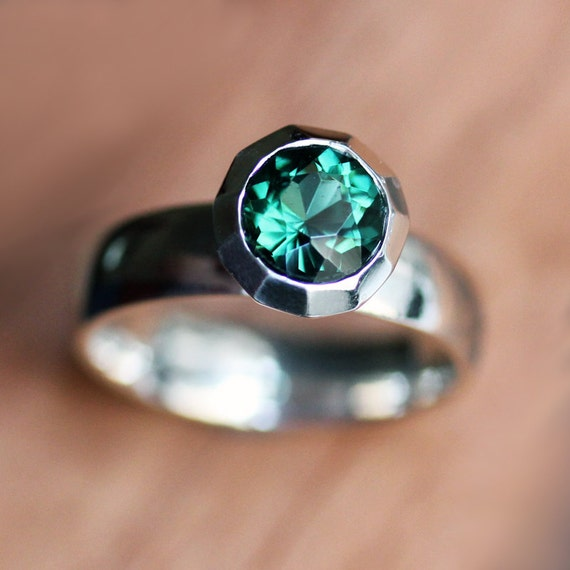 ON SALE: Green quartz ring -emerald green - engagement ring - recycled sterling silver - ready to ship - size 7 -  Bling ring