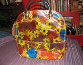 Large Vinyl zippered totebag mums and dasies 60's-70's