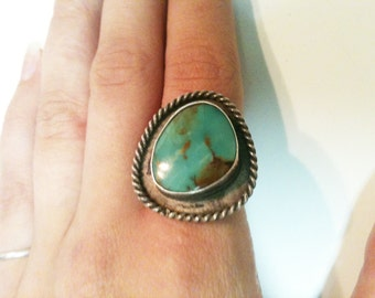 Vintage Large Rustic Turquoise and Silver Navajo Style Ring With Rope Design Old Pawn