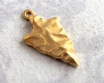 Brass Arrowhead Charms (4X) (M778)