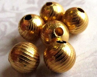 Vintage Gold Plated Textured Beads (8X) (B502)