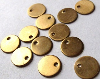 Raw Brass Circle Pad Engravable Charms (16X) (M553)