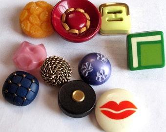 Colorful Random Assortment of Vintage Buttons (10X) (P550)