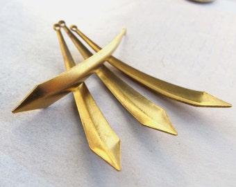 Vintage Brass Long Dagger Pendants (6X) (V387)