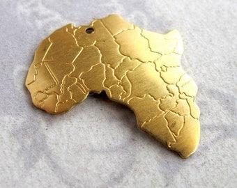 Brass Africa Pendants (4x) (M779-A)