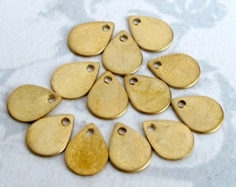 Small Brass Engraving Teardrop Charms (12x) (M775-A)