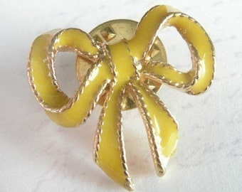 Vintage Yellow Enamel Bow Pins (4X) (E503)