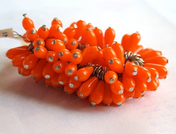 Vintage Japanese Orange Plastic Teardrop Charms (20X) (B554)