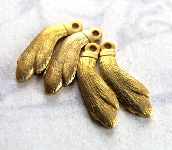 Brass Rabbits Foot Charms (4X) (M644-A)