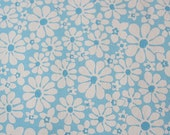 Vintage Wallpaper Roll No 13 - Retro Blue and White Daisy
