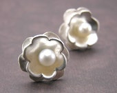 Gardenia Earrings - reserved