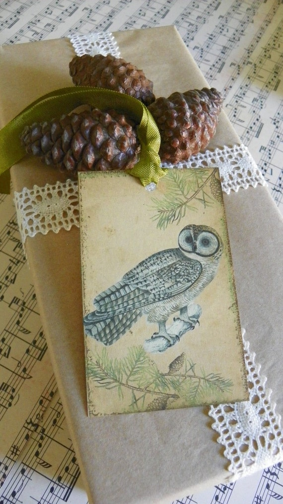 Vintage Style Paper Gift Tags Holiday Pine Woods Owl