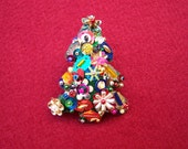 Bejeweled Felt Christmas Tree Pin