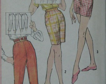 Simplicity 3435, early 1960s pedal pushers and shorts