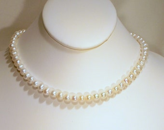 Pretty Pearls Necklace