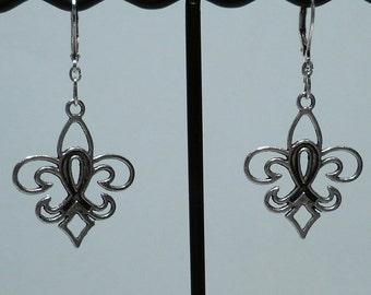 Metal Fleur De Lis Earrings