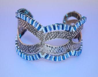 Blue Ajoure: Fabricated and Beaded Bracelet