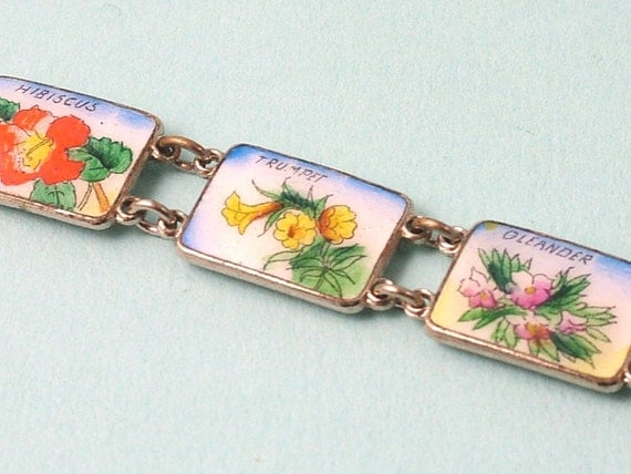 Vintage 1970s kitsch/ retro silver plated and enamel flower panel bracelet