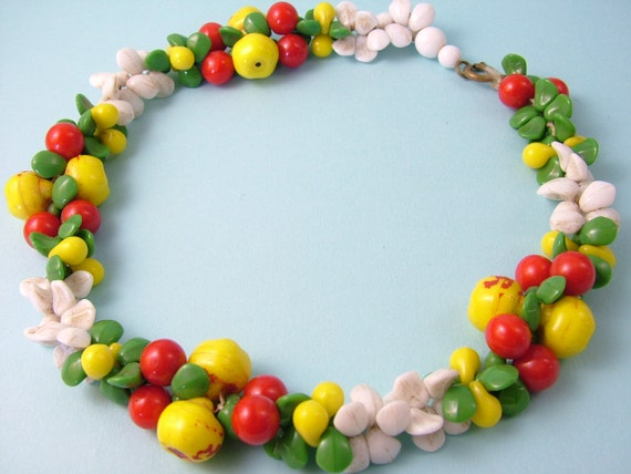 Vintage 1940s kitsch, retro, fruity, apples and cherries, glass bead necklace