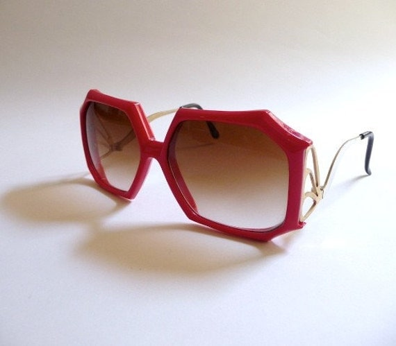 Vintage 1970s Red Oversized Sunglasses