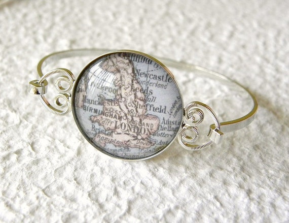 England Map Bracelet - Featuring London, Leeds, Birmingham, Newcastle, Liverpool, Manchester, Bristol, Cardiff, and more