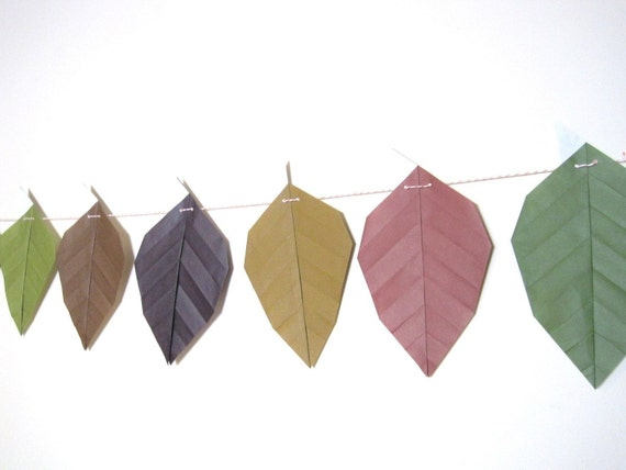 Origami Leaves Strand