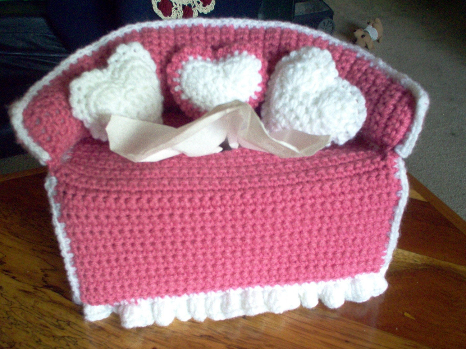 Free Crochet Pattern For Sofa Tissue Box Cover : Puffs Tissue Box Covers and Crocheted Sofa Tissue Box Cover