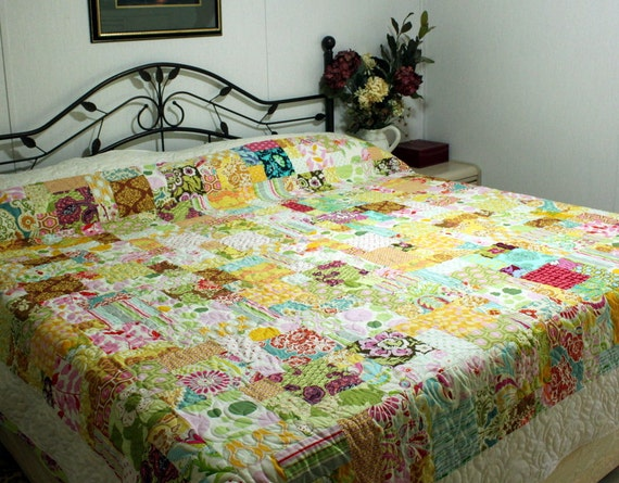 "Queen Bed Quilt DESIGNER MEDLEY bright and happy  90"" x 102"""