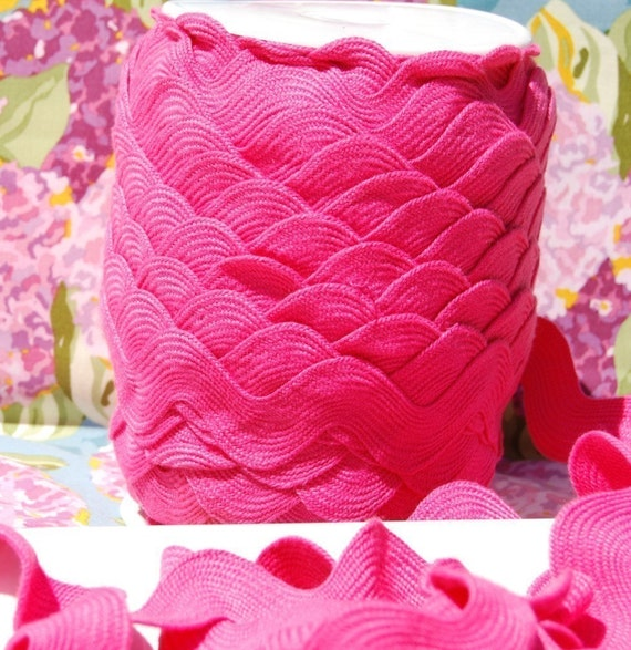 Jumbo Ric Rac in Hot Pink - 1 3/8 Poly Cotton - 3 yard listing