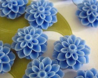 Periwinkle blue 15mm flower mum cabochons, dainty resin chrysanthemum cabs