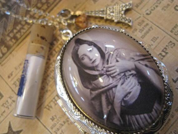 Anais Nin Locket Necklace Silver Tone