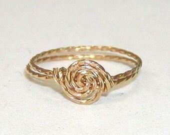 SALE Delicate Rosette Swirl Gold Wire Ring, sz 10